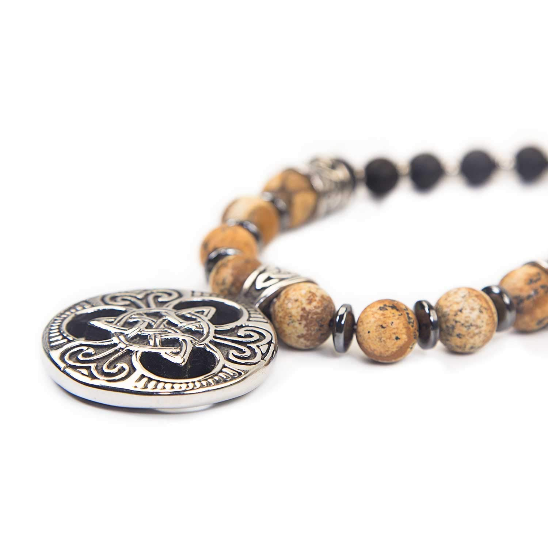 - Amulett Halskette Perlenkette Keltisch Trinity Triskele Edelstahl Skulls and Spirits Triqueta Jasper made in Spain sandfarben