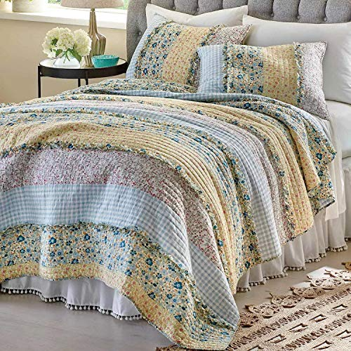 GH Quilt Coverlet Set Bedspread Chic Country Cottage - Blue Yellow Ruffles Floral Pattern 3 Piece King Size - Lightweight Hypoallergenic Reversible Oversized Bedding - Includes Bed Sheet Straps