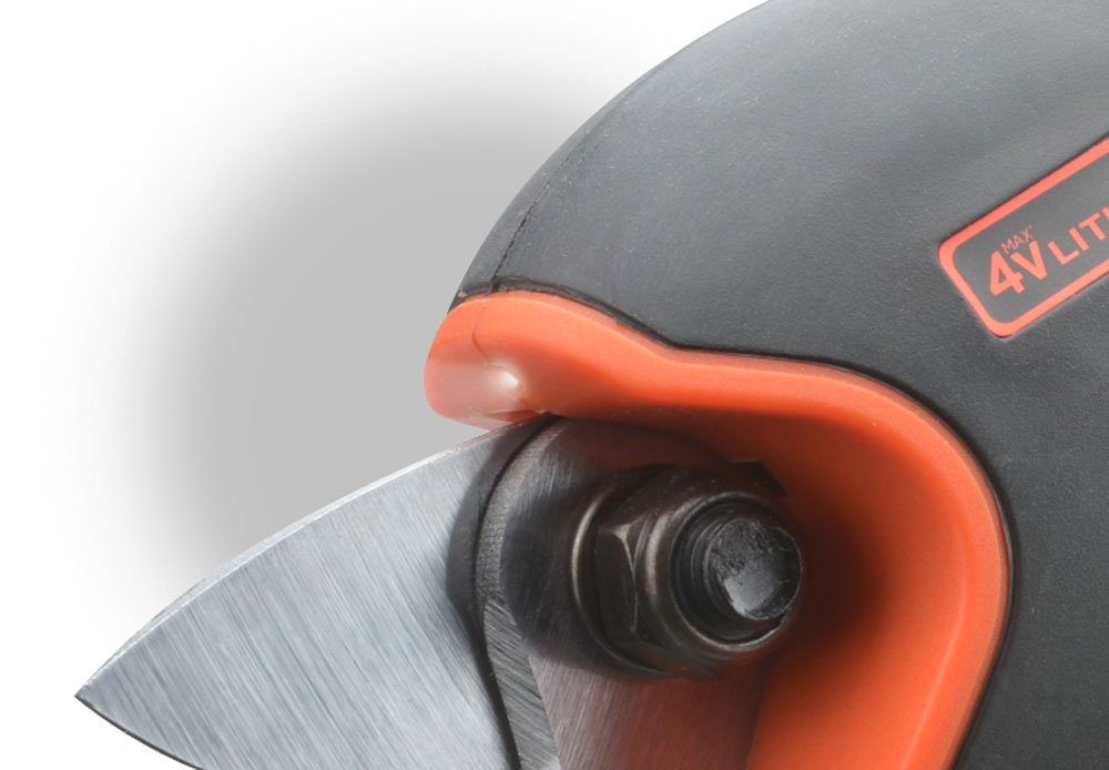 Black & Decker Cordless Pruner with Lithium Battery