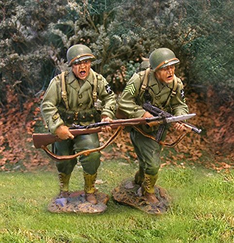 WWII Toy Soldiers US 2nd Infantry Division Advancers 2 Figures Collectors Showcase Toy Soldiers Painted Metal CS00583 Britains Thomas Gunn King and Country Type