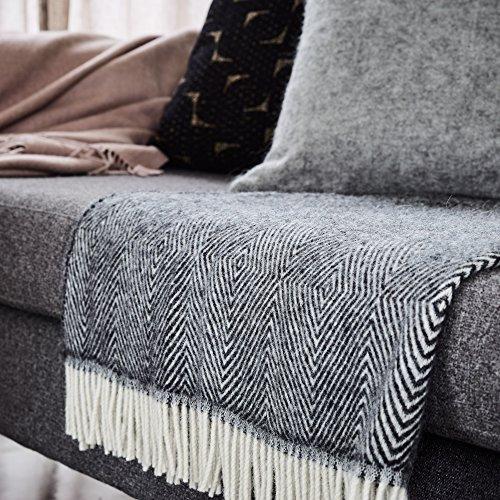 calda e morbida Urbanara Coperta di lana Gotland con motivo a rombi Lana 140 x 220 cm 100/% pura lana vergine Grau//Creme ideale come coprivano o copriletto
