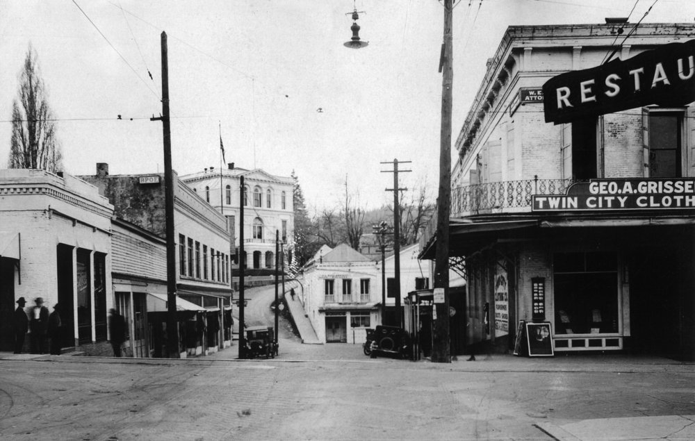 ネバダ州市、カリフォルニア – View of a Street Corner 24 x 36 Giclee Print LANT-11822-24x36 B017ZIZB1W  24 x 36 Giclee Print