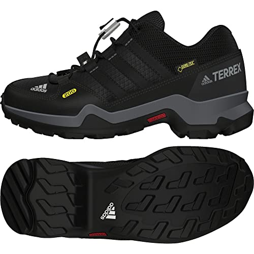 0059b038e51e adidas Kids  Terrex GTX K Cross Trainers  Amazon.co.uk  Shoes   Bags