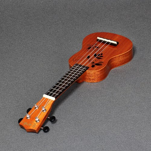 Rubin RP-400 All African Mahogany 17 sopranino Pocket Ukulele For Travel