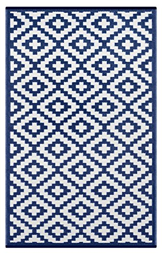 Lightweight Outdoor Reversible Plastic Nirvana Rug (6 X 9, Navy / White) by Green Decore