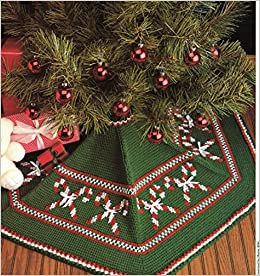 WOODLAND TREE SKIRT  *An Applique Christmas Tree Skirt Pattern*    By Timeless Traditions  #10022