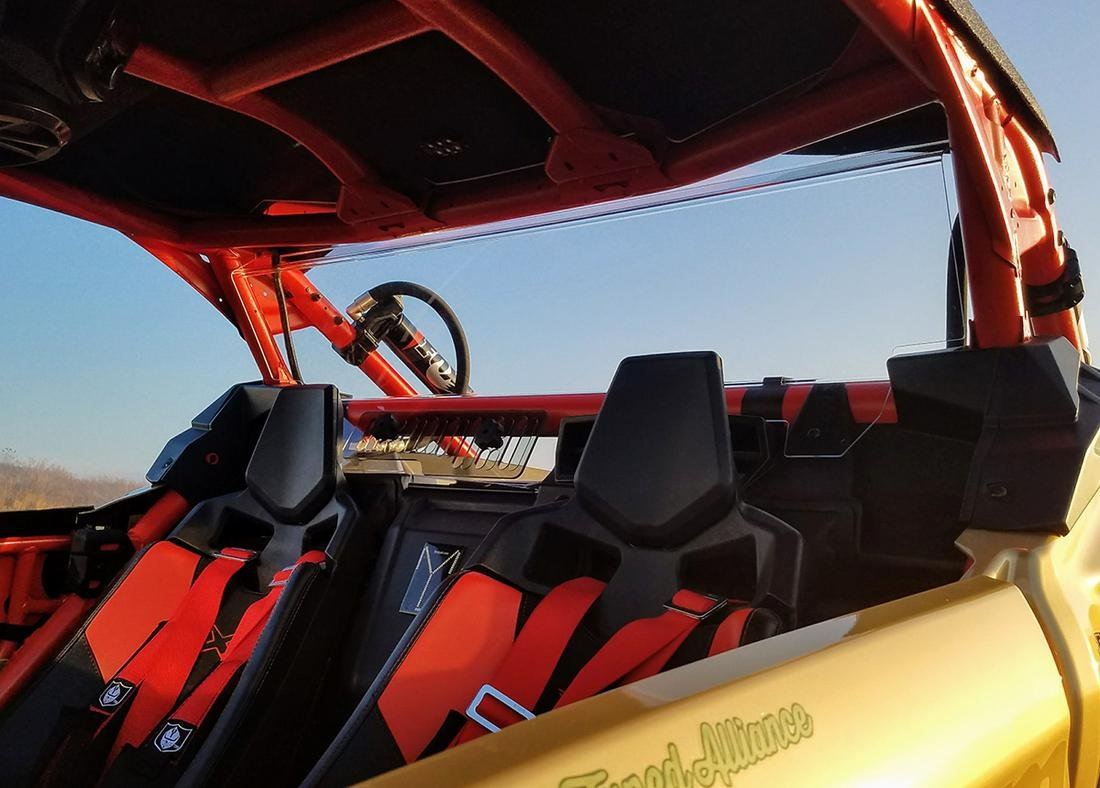 Amazon.com: Can Am Maverick X3 GP Rear Windshield (With Vent ...