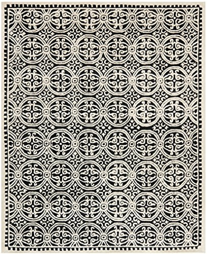 Safavieh Cambridge Collection CAM123E Handcrafted Moroccan Geometric Black and Ivory Premium Wool Area Rug (8' x 10')