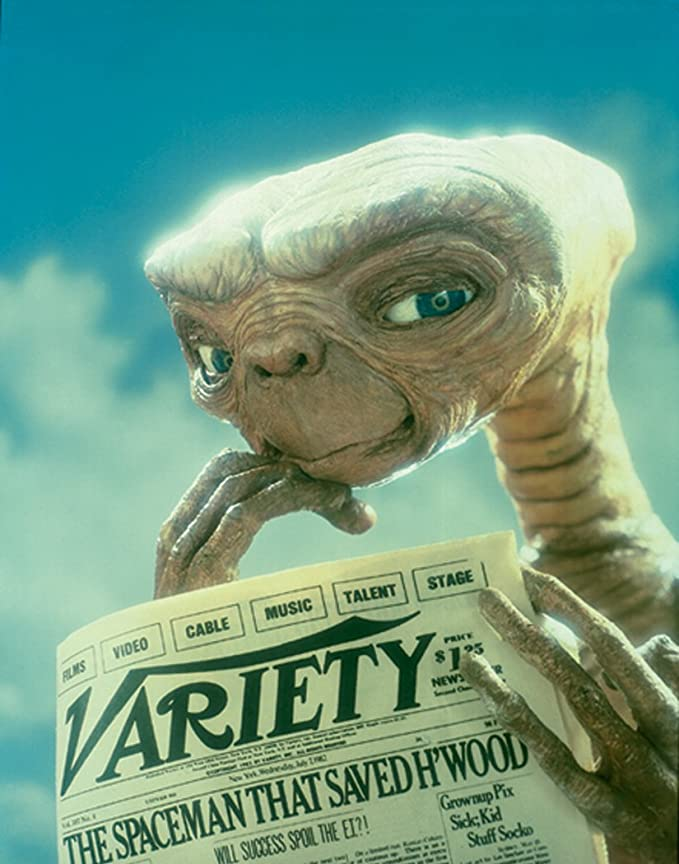 E.T, el extraterrestre periódico de la familia de la ciencia ...
