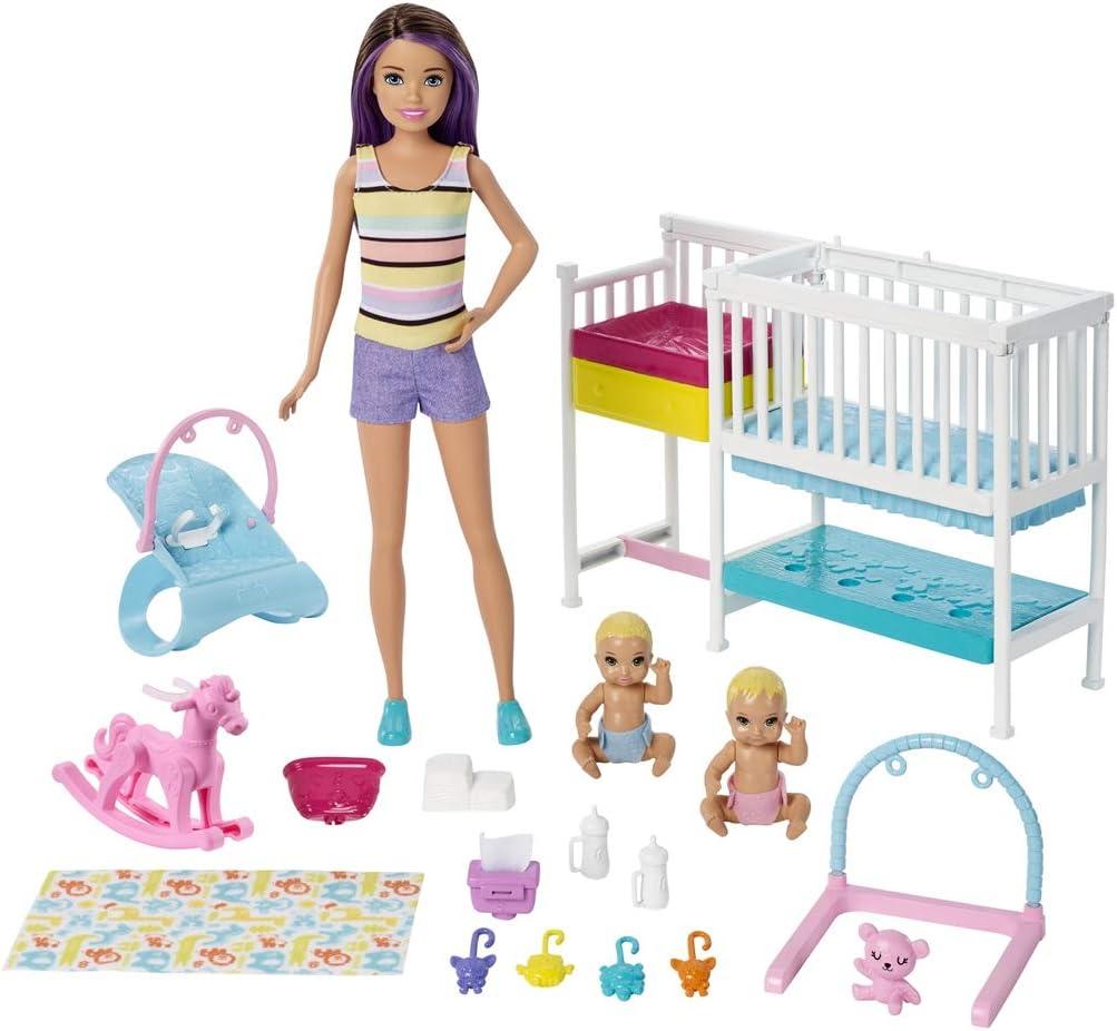 Barbie Famille coffret Chambre des jumeaux, poupée Skipper baby-sitter aux  cheveux châtains, 2 figurine d\'enfants et accessoires, jouet pour enfant,  ...