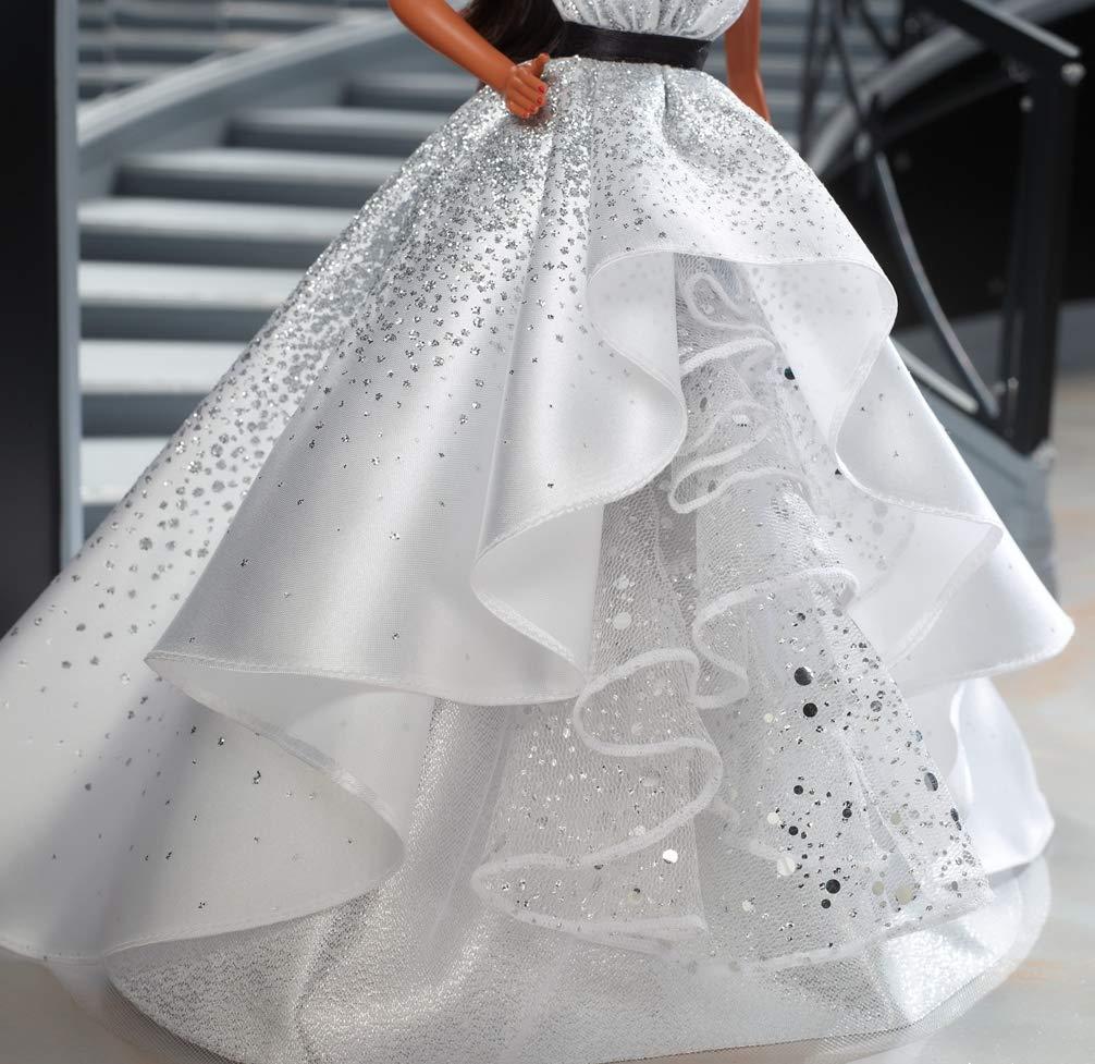 jouet collector FXC79 Barbie Signature poup/ée de collection 60/ème anniversaire aux cheveux bruns et /à la robe inspiration diamants