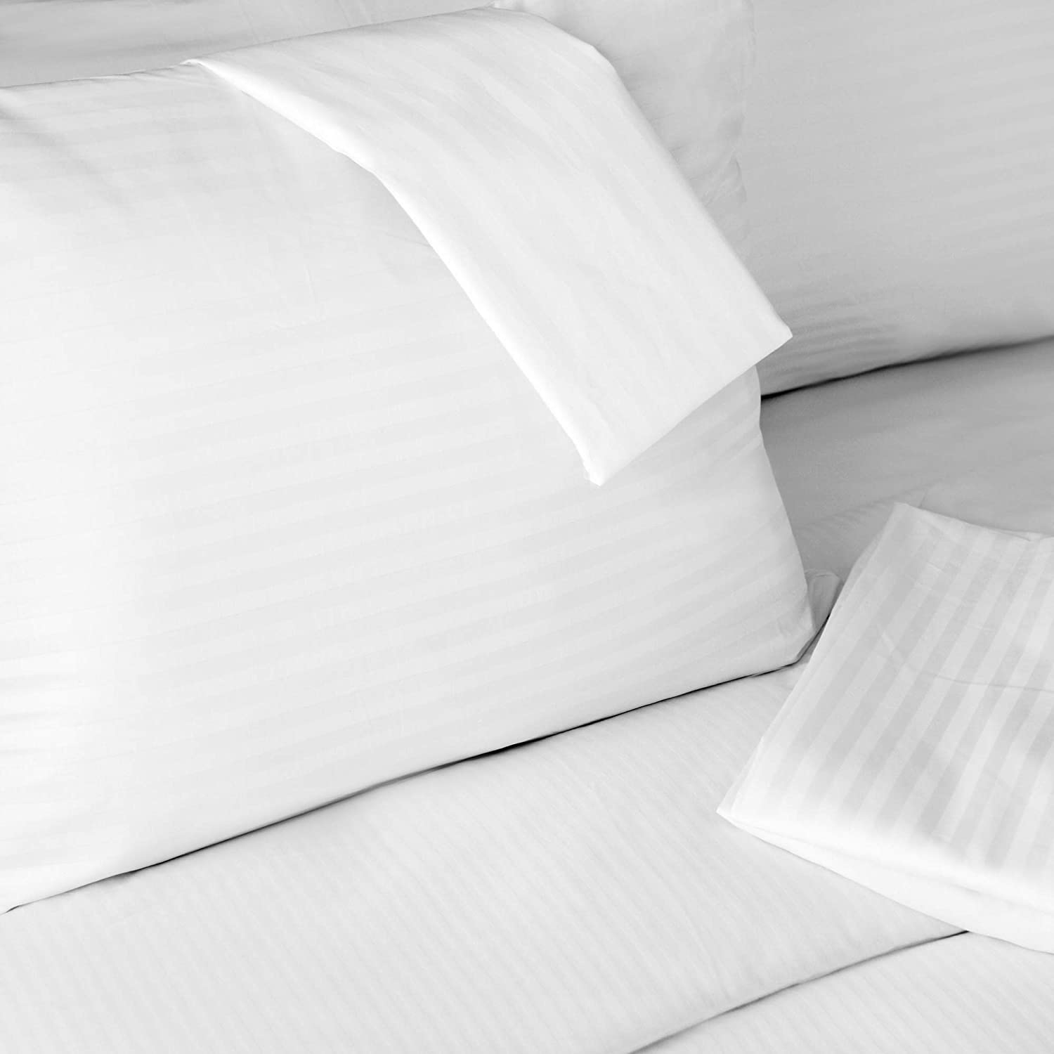 FeelAtHome 100/% Cotton Waterproof Zip Pillow Protector Covers - Anti Bed Bug /& Dustmite Pillowcase Cover Pack of 4, Queen Hypoallergenic Zippered Pillow Encasement Pillow Case