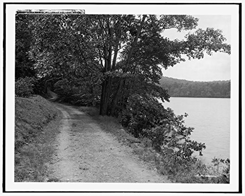 16 x 20 Gallery Wrapped Frame Art Canvas Print of Lake Waban Wellesley College Mass 1908 Detriot Publishing co. 56a