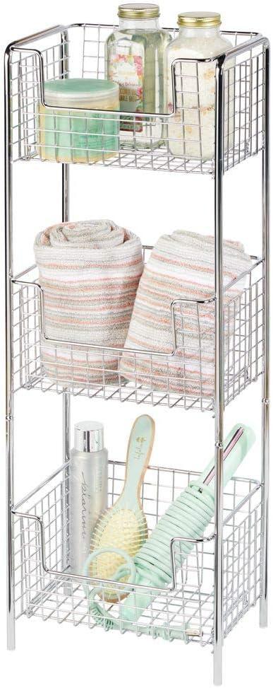 mDesign Estantería de baño de pie en metal – Mueble auxiliar de baño inoxidable con tres baldas metálicas para toallas, champú y gel – Ideal también como despensa para la cocina – plateado