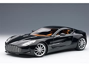 Amazon Com Aston Martin One 77 Black Pearl 1 18 By Autoart 70241