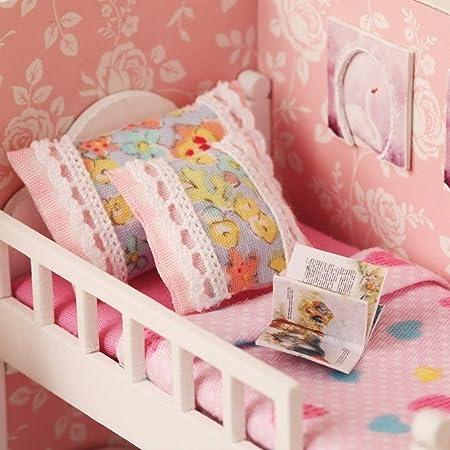 Amazon.com: DIY casa de muñecas de madera miniatura muebles ...
