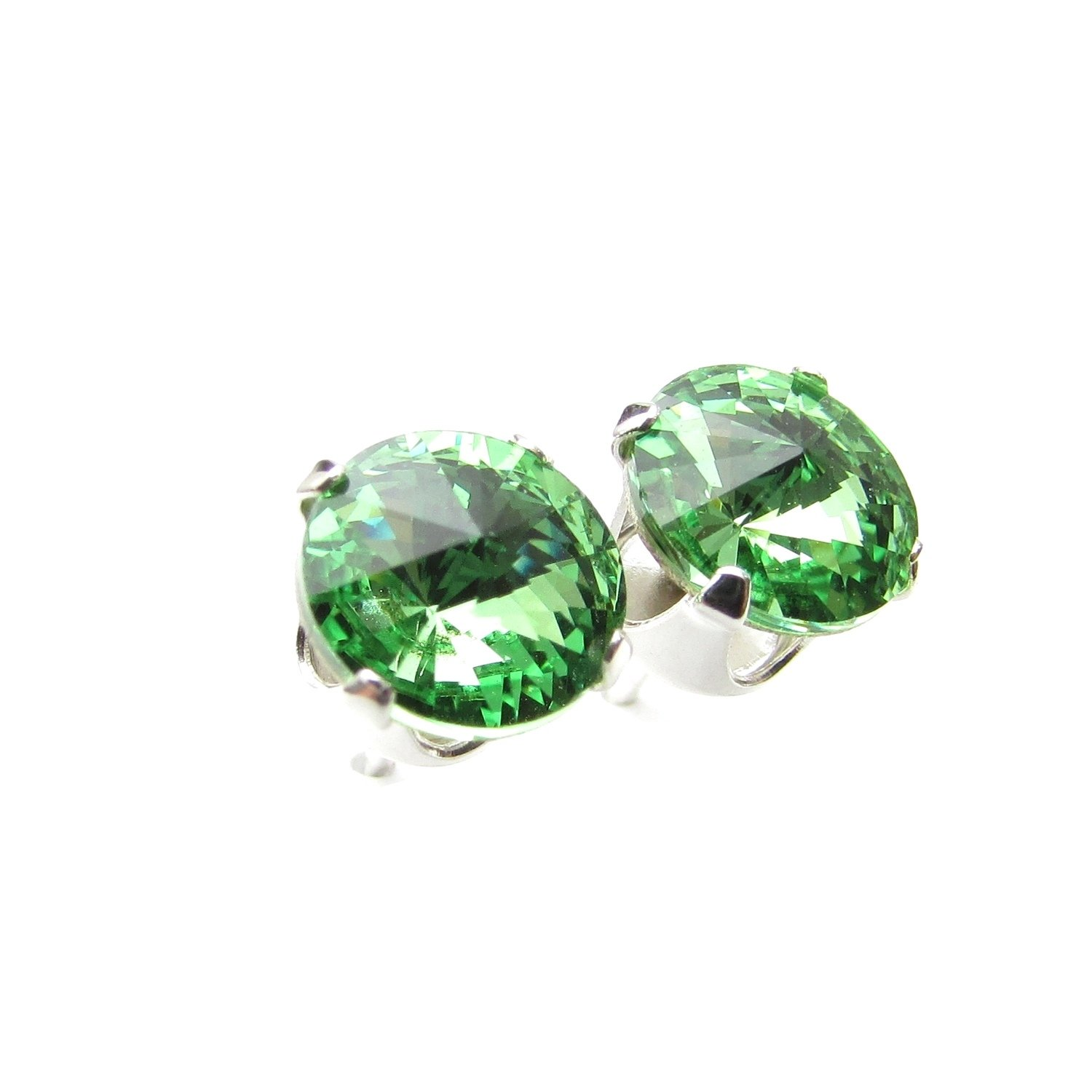 925 Sterling Silver stud earrings expertly made with sparkling Peridot (light green) crystal from SWAROVSKI® for Women 57JyvMLw8