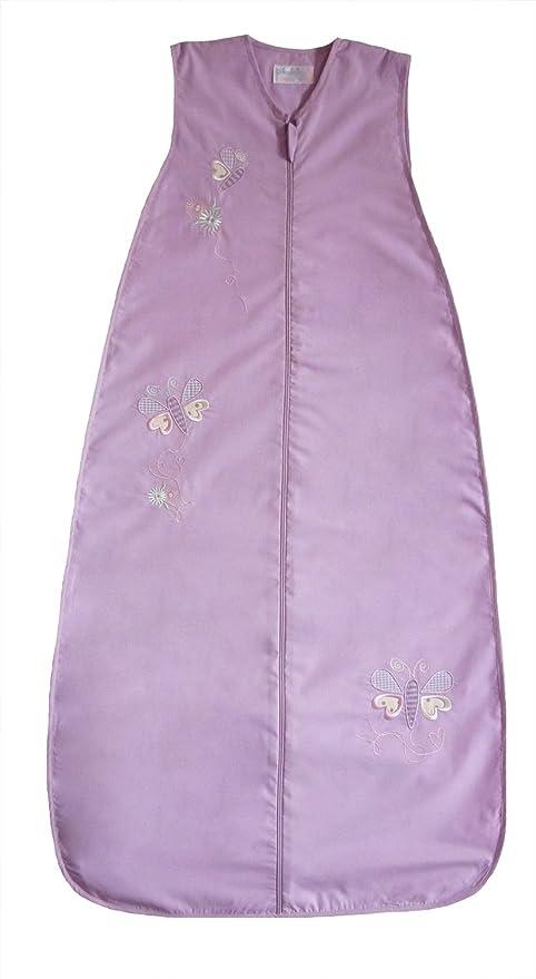 Diseño de chica rodeada de una bolsa de regalos de dormir y funda de una bolsa