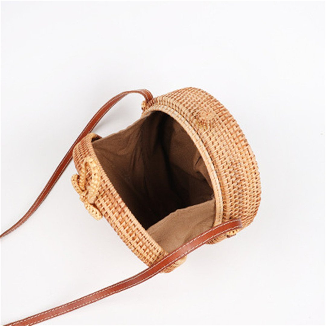 Amazon.com: LAIHUIBAO Vietnam Hand Woven Bag Round Rattan Straw Bags a Style Circle Bag r Natural Color 20x8CM: Sports & Outdoors