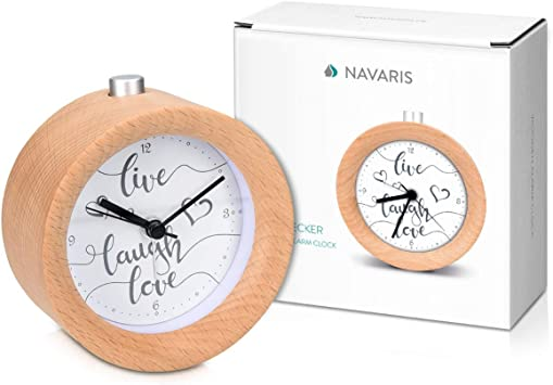 Navaris Réveil Matin Silencieux Horloge réveil Bois Clair à Aiguilles avec Fonctions Heure Alarme Snooze lumière Cadran Live Laugh Love