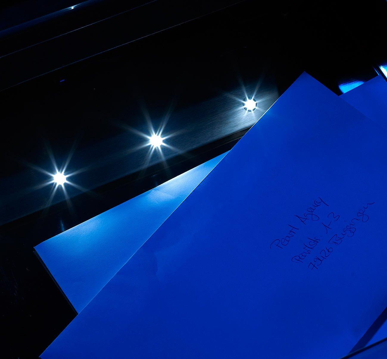 Briefkasten mit Hausnummer /& Zeitungsfach Lunartec Postkasten: Edelstahl-Briefkasten Solar-Leucht-Hausnr
