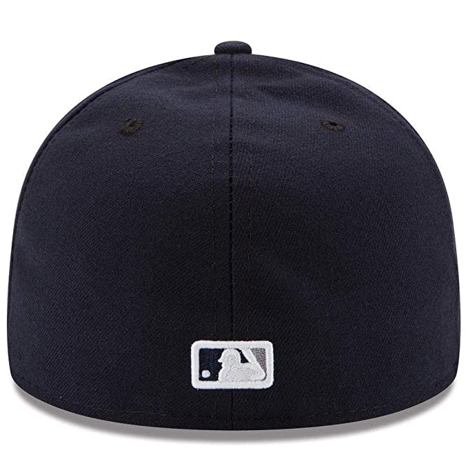 270acdc63db218 Amazon.com: New Era Mens New York Yankees MLB Authentic Collection 59FIFTY  Cap: Clothing