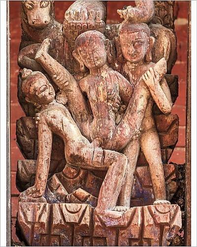 Impresión fotográfica de EROTIC madera tallada, Pashupatinath templo, Bhaktapur, Nepal por Media Storehouse