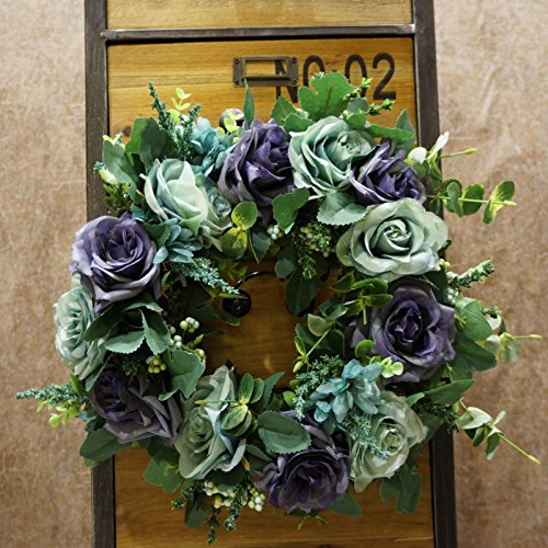 Lighted Outdoor Wreaths in Florida - 9