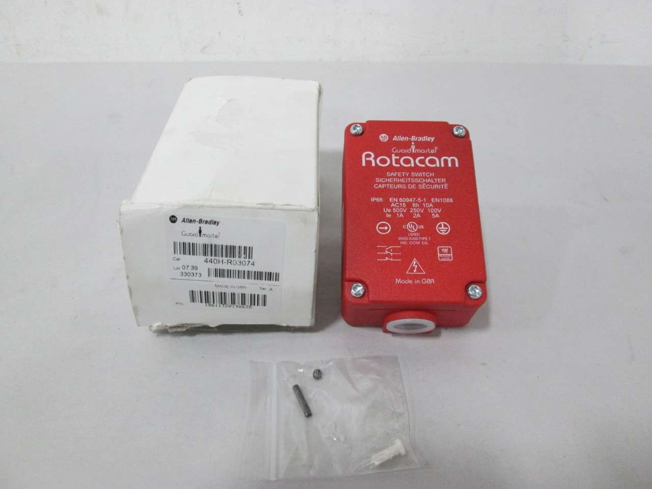 NEW ALLEN BRADLEY 440H-R03074 ROTACAM GUARDMASTER SAFETY