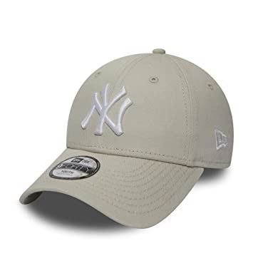 d52a7943f3e New Era League Essential 9forty NY Cap Junior  Amazon.co.uk  Sports    Outdoors