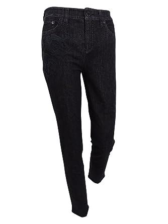 874995a3b23 LAUREN RALPH LAUREN Womens Curvy Fit Classic Rise Skinny Crop Jeans at  Amazon Women s Jeans store