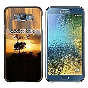 TECHCASE---Cubierta de la caja de protección para la piel dura ** Samsung Galaxy E7 E700 ** --Sunset texto Inspiring árbol Nubes África