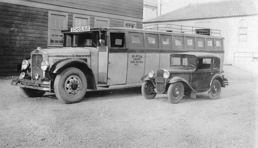 オーバーン、カリフォルニア – View of an Early Placer郡Union High School Bus 36 x 54 Giclee Print LANT-11841-36x54 B01MG2SD26  36 x 54 Giclee Print