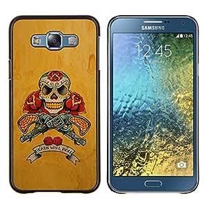 GIFT CHOICE / Teléfono Estuche protector Duro Cáscara Funda Cubierta Caso / Hard Case for Samsung Galaxy E7 E700 // Gold Revolver Guns Red Live Free Skull //