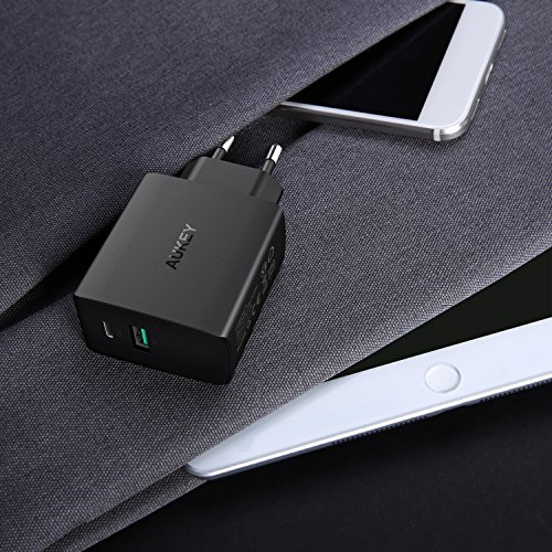 AUKEY USB C Caricabatterie da Muro con USB A 5V 2,1A + USB C 5V 3A Caricatore USB per iPhone X / 8 / 8 Plus, iPad Air / Pro, Nexus 5X / 6 / 6P, Google Pixel, Samsung, LG, HTC ecc.