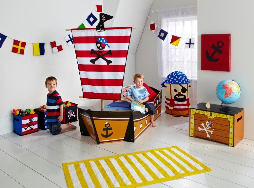 Letto A Forma Di Nave Pirata : Letti a castello i mobili più amati dai bambini dalani e ora