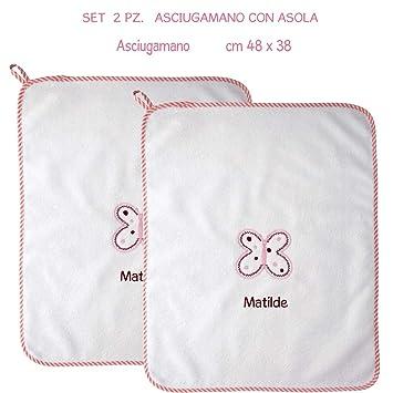 Coccole - Toalla con tira con nombre personalizado y estampada con una mariposa rosa - Ideal para guardería, educación infantil... Apto para niños de 3 a 5 ...