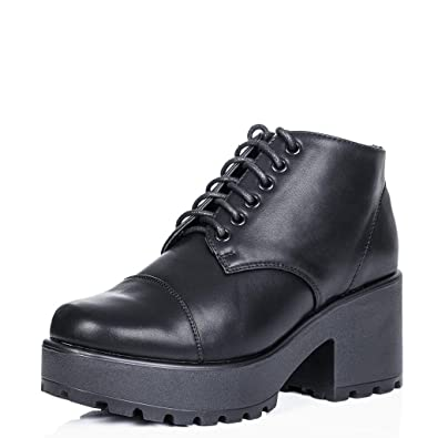 MARVELLOUS Block Heel Cleated Sole Lace Up Platform Ankle Boots