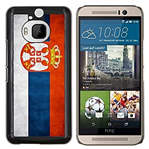 BearCase / Cubierta de protección Caso duro de la contraportada de Shell Plástico /// HTC One M9+ M9 Plus /// Nacional bandera de la nación País Serbia