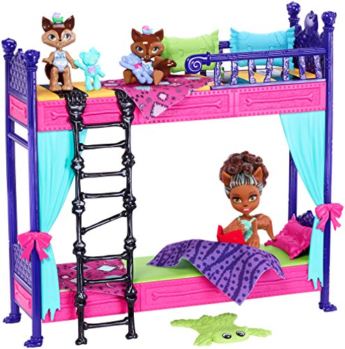 Monster High Monster Family Wolf Bunk Bed Playset and Dolls -