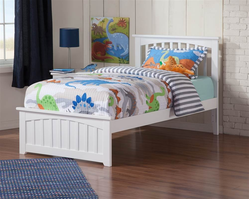 Atlantic Furniture Twin Bed with Matching Footboard (Natural)