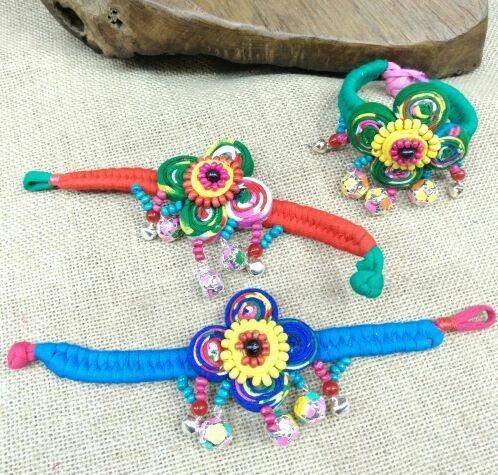 Lijiang Lijiang, Yunnan features handmade cloth bracelet vintage jewelry cloth flowers bell bracelet bohemian