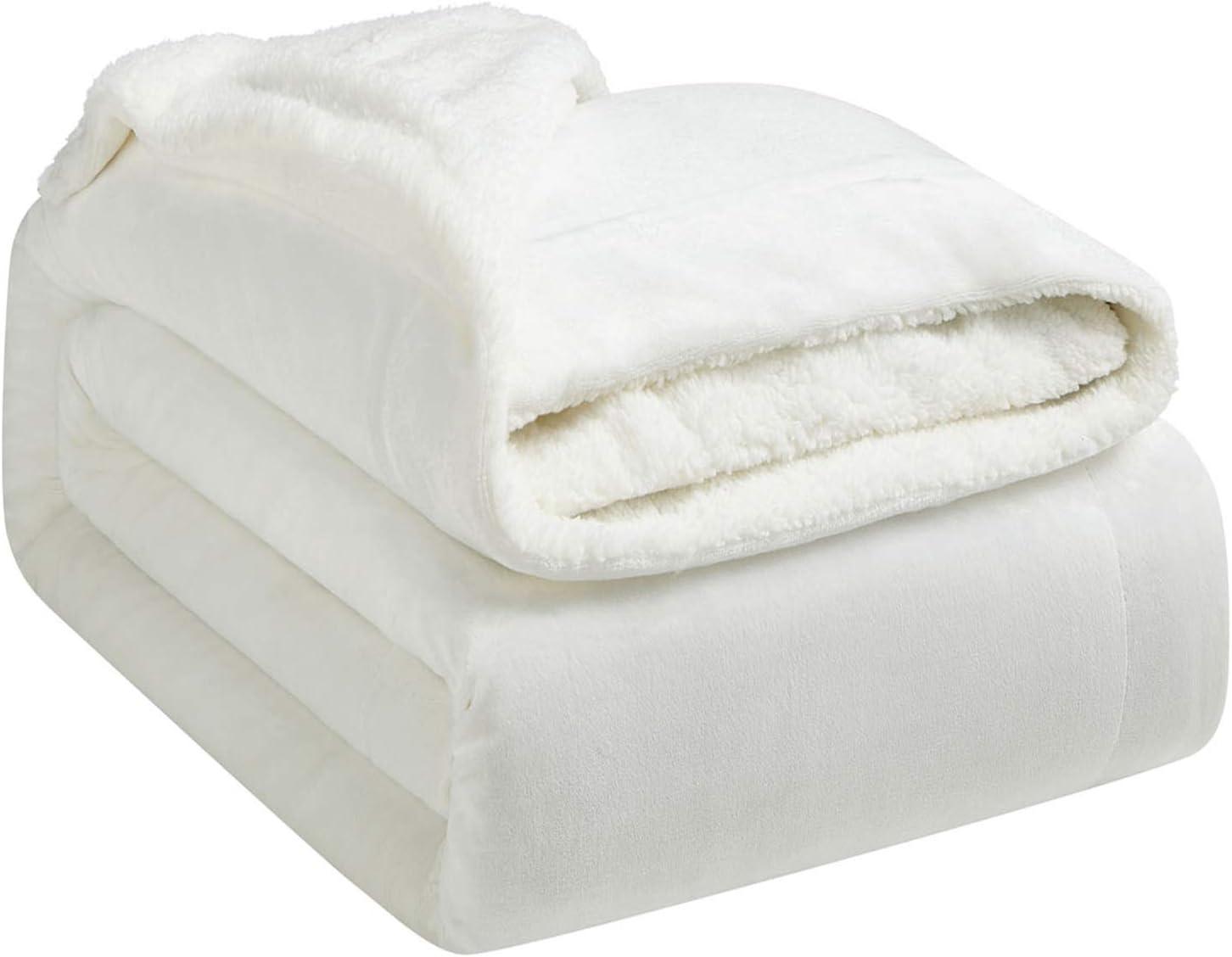 Hansleep Manta Reversible de Franela Sherpa, 220x240 cm Manta Polar para Sofá Cama, 100% Microfibra Cepillada Extra Suave Transpirable - Mantas de Pelo Cálida Acogedor, Blanco