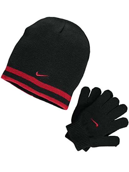 c95664d6ad65c Amazon.com  Nike Boy`s Reversible Beanie and Gloves Set  Sports   Outdoors