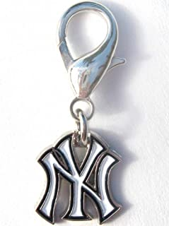 product image for Diva-Dog MLB Baseball 'New York Yankees' Licensed Team Dog Collar Charm