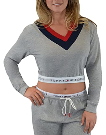 e7d5ff1e268c5f Tommy Hilfiger Women s Retro Pullover Crop Top at Amazon Women s Clothing  store