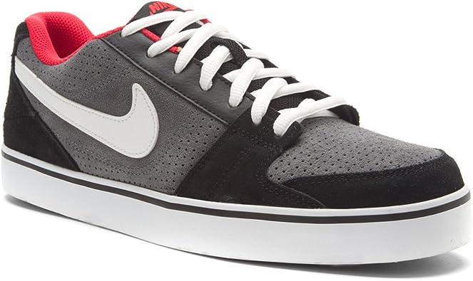 Nike Ruckus Low Skateboarding Shoes
