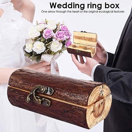Caja de anillos con candado de madera con grabado