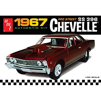 AMT 1/25 '67 Chevy Chevelle Pro Street: Toys & Games