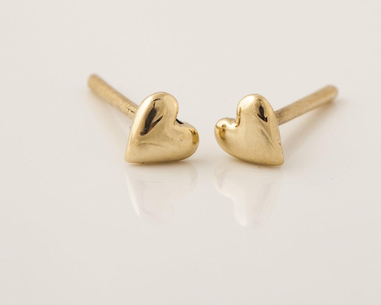 14k Yellow Gold Tiny Heart Stud Earrings